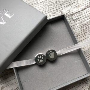Engraved bracelet beads